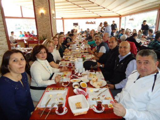 Karşıyaka Masterler En Gözde'e Kahvaltıda